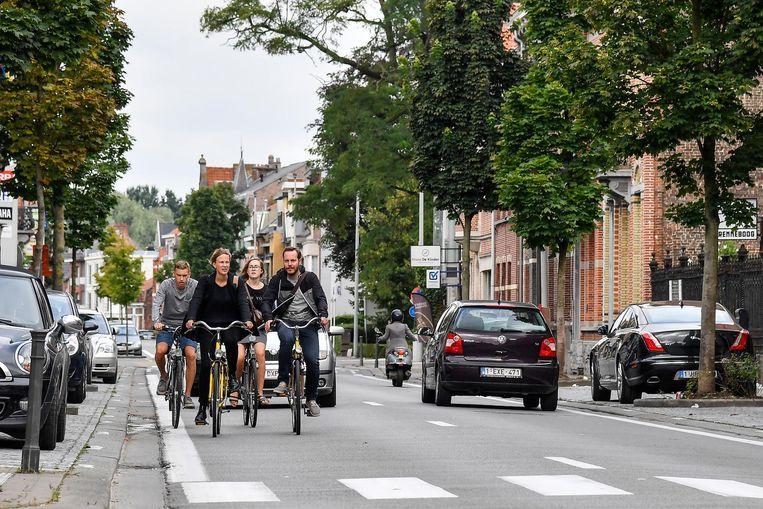 Gevaarlijke situaties voor fietsers zijn momenteel nog dagelijkse kost op de Sint-Gillislaan.