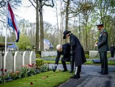 Prinses Margriet en Pieter van Vollenhoven verrassend bij dodenherdenking op Grebbeberg