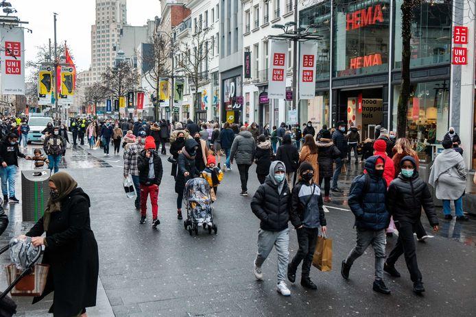 Shoppen op de Meir in Antwerpen, zaterdag 30 januari.