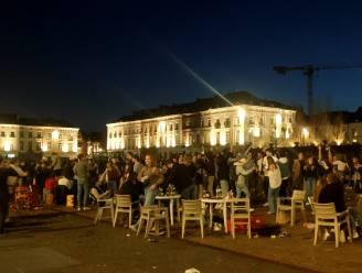 """Burgemeester van Gent verbiedt glas en versterkte muziek: """"Stop met feestjes bouwen, zo duurt het alleen nog langer"""""""