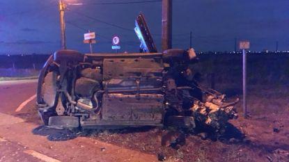 Dronken bestuurder (37) rijdt wagen in de prak: gewond, rijbewijs kwijt en bestuurlijk aangehouden