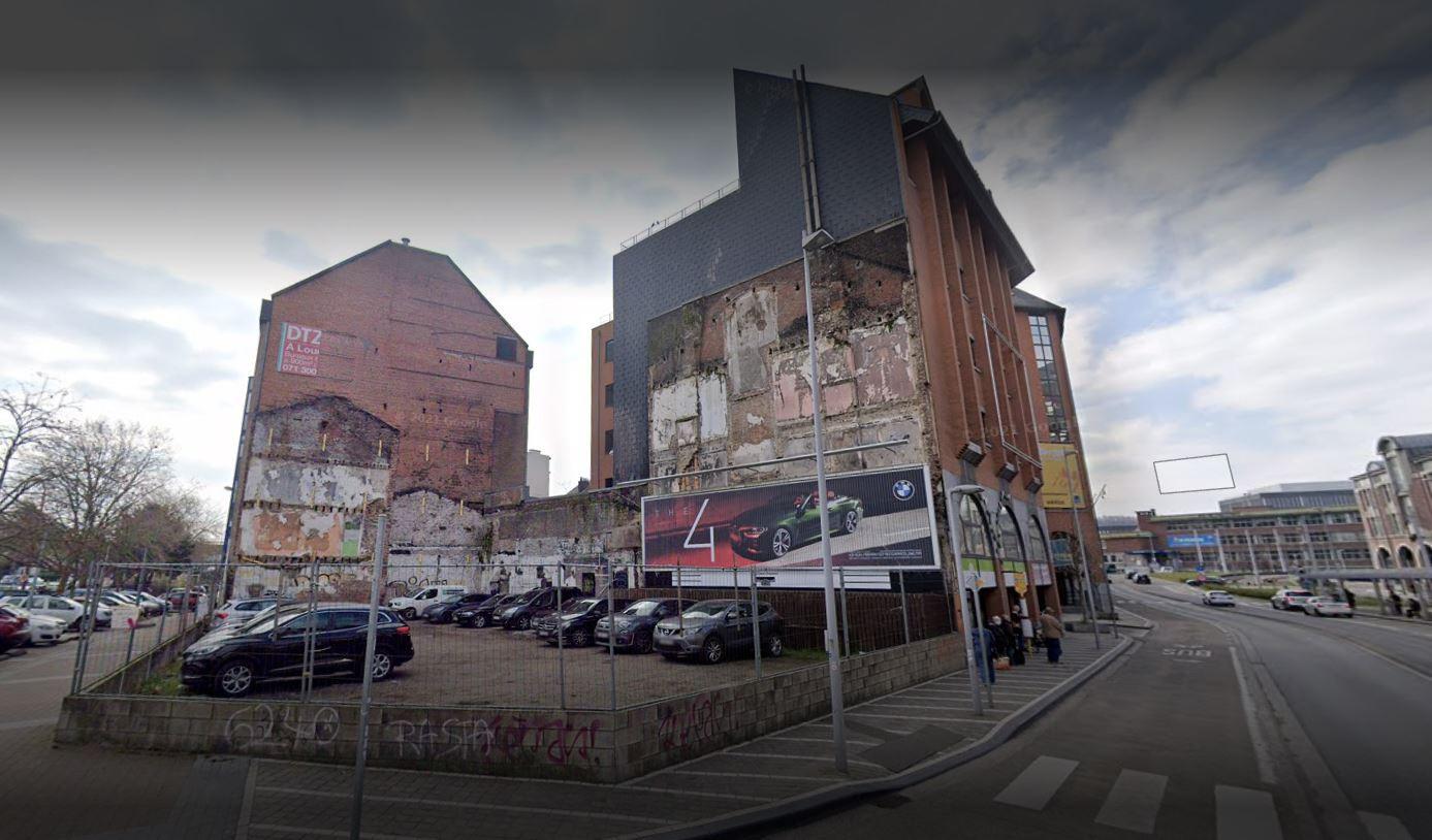 Cela fait des années maintenant que le Star Rock Café a laissé place à un terrain vague à Charleroi