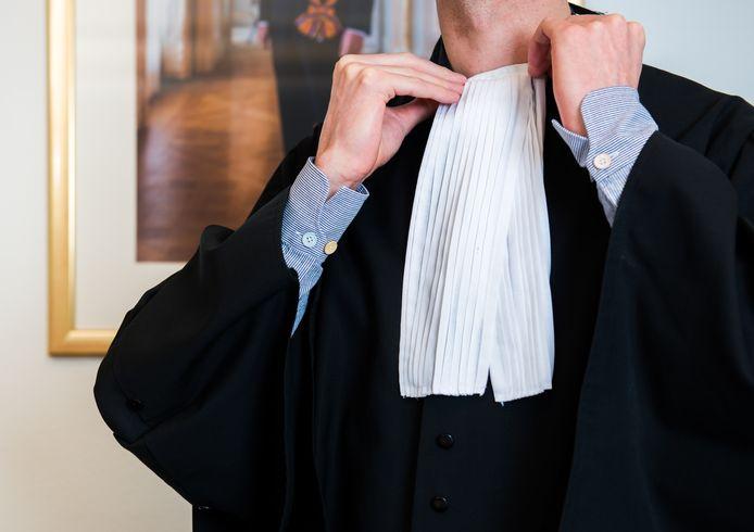 ILLUSTRATIE - Ossenaar krijgt taakstraf voor 'verwurgen' rechter