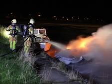 Bootje op Urk in brand, slachtoffers onbekend