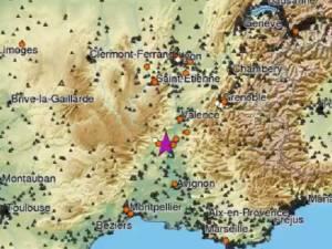 Un séisme dans le sud de la France fait quatre blessés, une réplique est à craindre