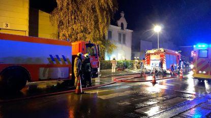 """Rookmelder redt gezin van vier bij nachtelijke keukenbrand: """"Zonder waren we dood geweest"""""""