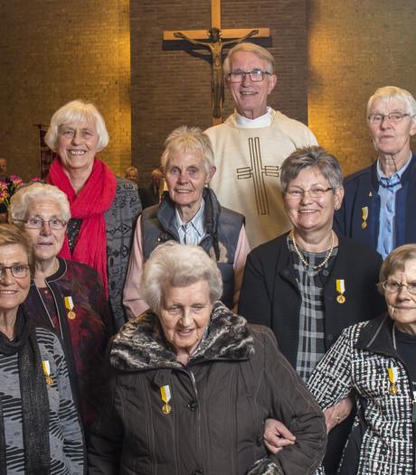 Acht jubilarissen bij Jozefkoor in Noord Deurningen