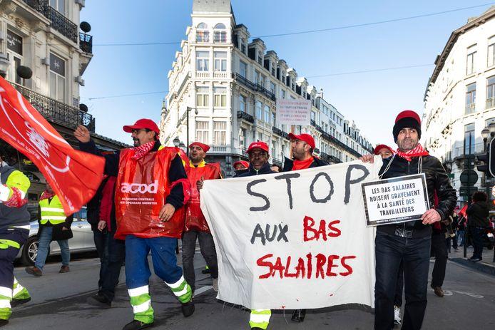 Manifestation des fonctionnaires et travailleurs des communes et hôpitaux publics en novembre 2018.