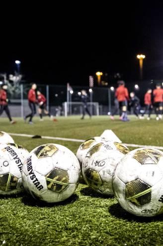 Wat zijn de gevolgen van het stopzetten van het amateurvoetbal? En hoe zit het met de lidgelden? Al uw vragen beantwoord
