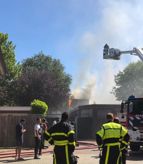 Grote brand in bovenwoning in Rijen onder controle