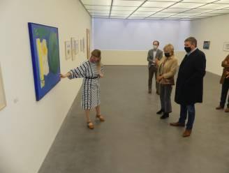 Minister-president Jan Jambon krijgt rondleiding in Raveelmuseum
