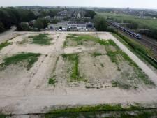 Na een jaar is bouw nog niet begonnen, en wanneer die wél begint aan Johan de Wittlaan in Woerden is ongewis