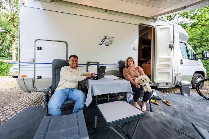 Dennis (52) en Mathilde (50) Lankau uit Maassluis komen rechtstreeks uit Denemarken, waar ze nog dit jaar gaan wonen.
