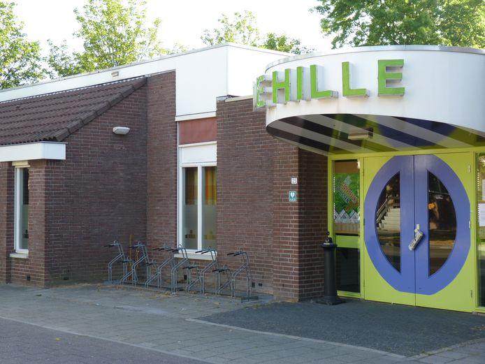 Ook gebruikers van De Hille verhuizen in de toekomst naar het nieuwe wijkcentrum in Ussen. Foto Dan Wildeman