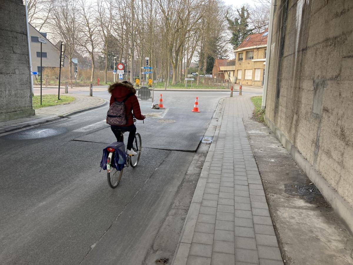 Door de verzakking is de Nijverheidstraat nog minstens anderhalve maand onderbroken.
