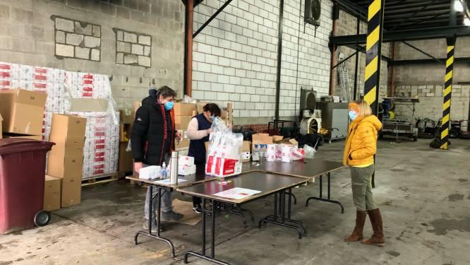 Gemeente verdeelt duizenden handgels en ontsmettingssprays onder lokale verenigingen