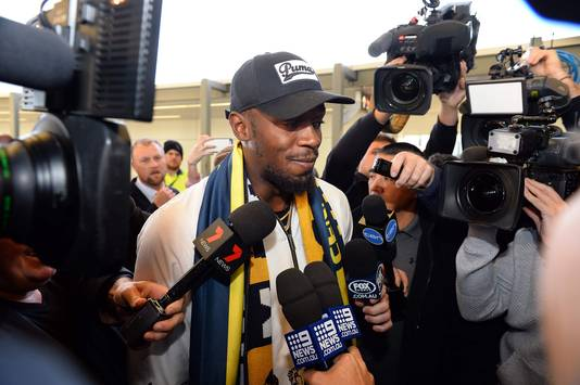 Bolt komt aan op het vliegveld van Sydney.