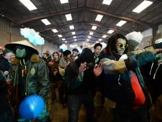 """Wilde raveparty met 2.500 mensen in Bretagne kan nog dagen doorgaan: """"Ook Belgen nemen deel"""", al 200 pv's opgesteld"""