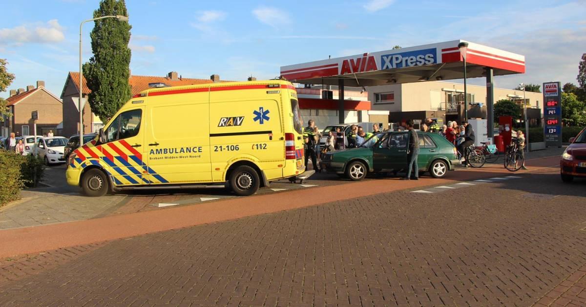 Scooterrijder gewond na aanrijding met auto in Boxtel.