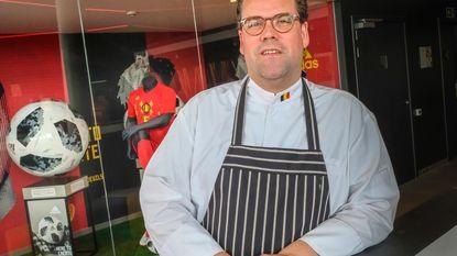 """De man die onze Rode Duivels vanuit de keuken laat scoren: """"Enkel op matchdagen krijgen ze saaie maaltijd"""""""