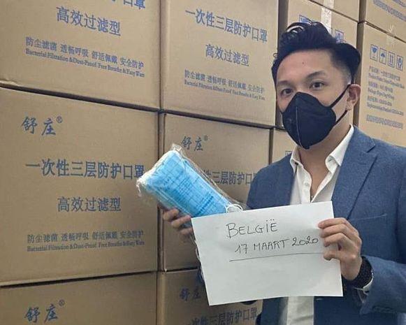 Tussenpersoon Gsai Lee zocht via sociale media naar mondmaskers.