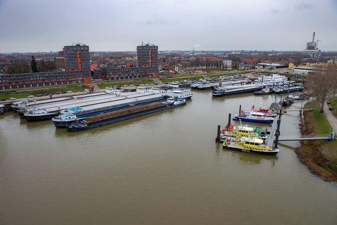 De Waalhaven in Nijmegen, foto ter illustratie.