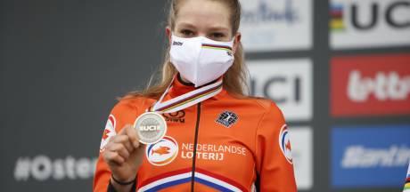Van Alphen 'niet teleurgesteld' na zilver op WK veldrijden voor beloften