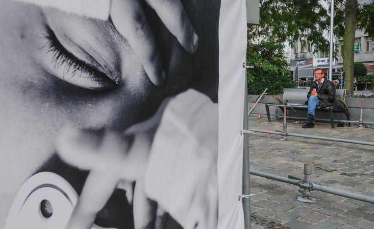 De foto's vallen erg op, in de publieke ruimte.