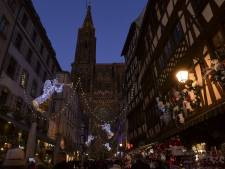 Interpellés parce qu'ils faisaient des selfies l'index vers le ciel sur le marché de Noël de Strasbourg