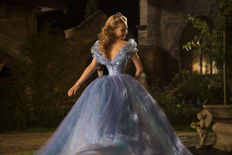 Met 'Cinderella' sloeg Disney de bal mis. Te weinig girl power en te veel zandlopertaille. Beeld Photo News