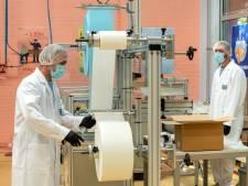Mondkapjes blijven 'made in China', Arnhemse fabriek mag nog steeds geen medische mondkapjes maken