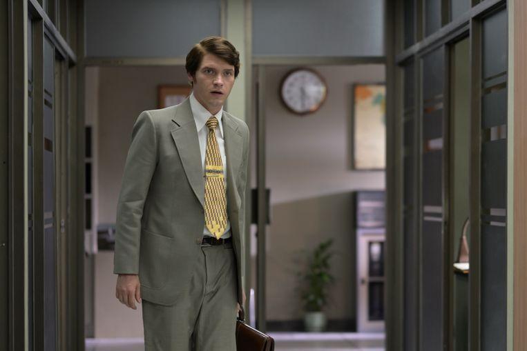 Acteur Billy Howle als de Nederlandse diplomaat Herman Knippenberg.  Beeld BBC