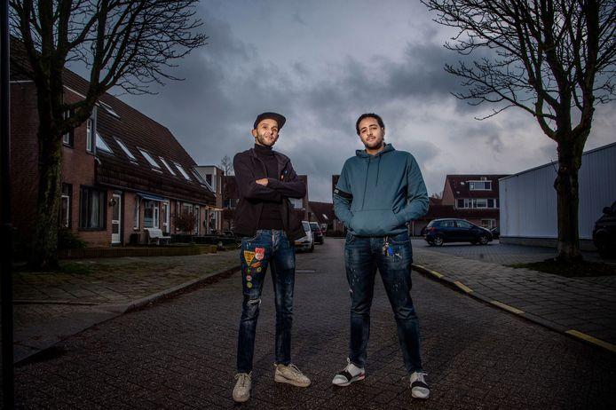 Straatcoaches in Beuningen in 2019. Rechts Zakaria Kerkri.