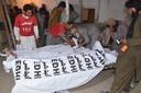 Verschillende lichamen werden bovengehaald door de hulpdiensten.