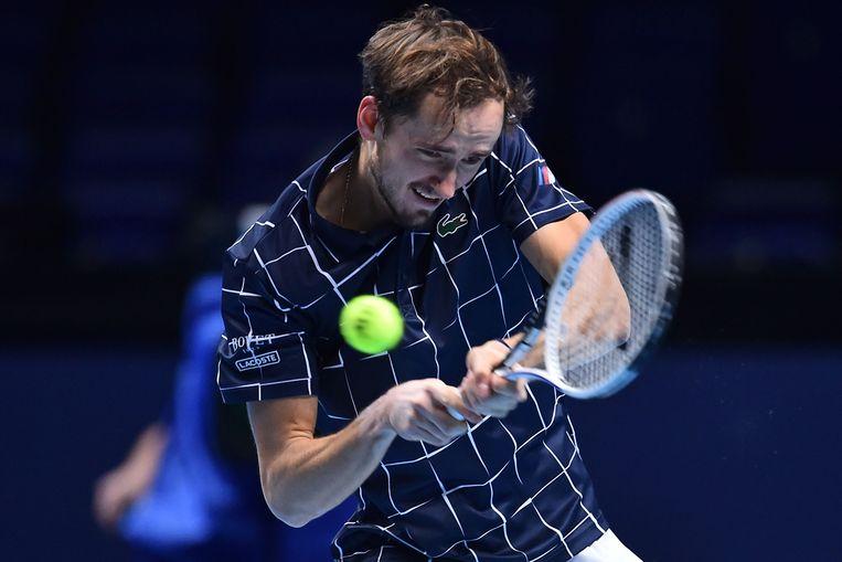 De Rus Daniil Medvedev verslaat Dominic Thiem in drie sets in de O2 Arena. Beeld AFP