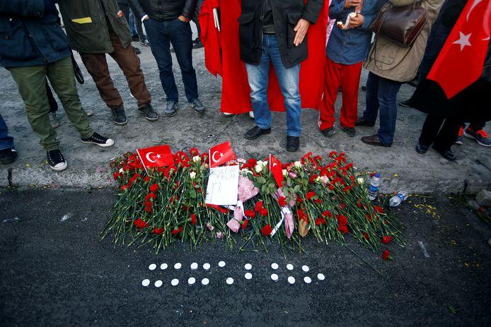 In Istanboel werd vandaag uitgebreid stilgestaan bij de aanslag.