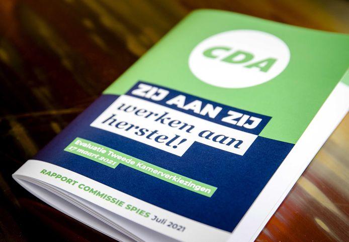 Het rapport van de commissie-Spies met de bevindingen over het CDA rondom de Tweede Kamerverkiezingen. Onder meer de mislukte verkiezingscampagne en de gang van zaken rondom Kamerlid Pieter Omtzigt zijn erin meegenomen.