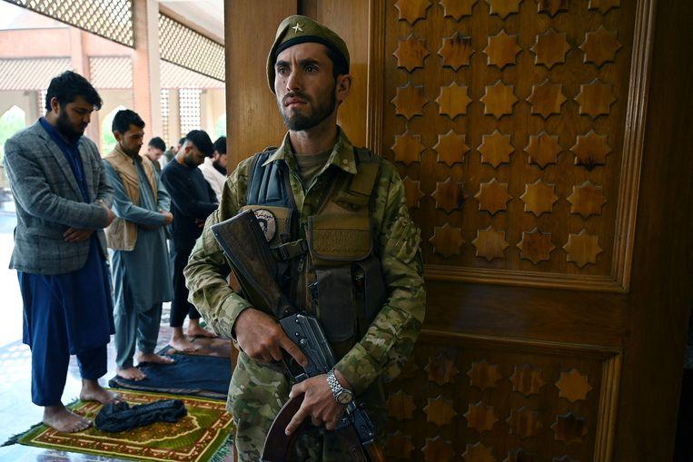 Donderdag begon in Afghanistan een driedaagse wapenstilstand vanwege Eid al-Fitr, het einde van de vastenmaand ramadan.  Beeld AFP