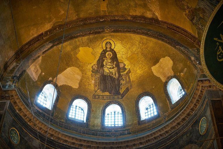 Eén van de christelijke mozaïeken waar deskundigen zich zorgen over maken. Wat zal ermee gebeuren als de Ayasofya weer een moskee wordt? Beeld Trouw