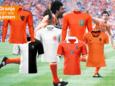 Een aantal shirts uit de Oranje-historie.