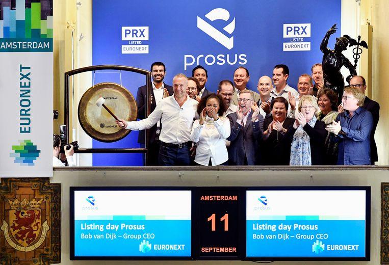 De top van het bedrijf Prosus tijdens de beursgang in Amsterdam Beeld REUTERS