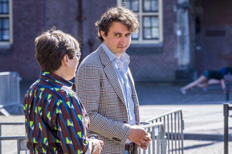 Jesse Klaver (GroenLinks) en Lilianne Ploumen (PvdA) geven een reactie na een gesprek met informateur Mariette Hamer. Het is de vijfde week van de gesprekken met Hamer over de formatie van een nieuw kabinet.  Beeld ANP