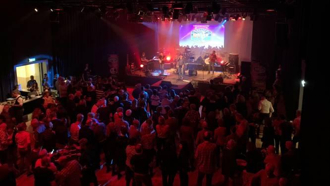 Lokale muzikanten maken feest van Vrienden van Best live