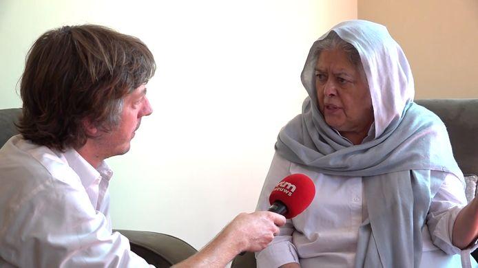 De Afghaanse vrouwenrechtenactiviste Mahbouba Seraj doet haar verhaal bij VTM NIEUWS-journalist Robin Ramaekers.
