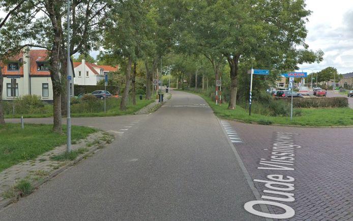 De kruising van de Oude Vlissingseweg en de Statenlaan. Rechtachter het tankstation waar de auto vandaan kwam.