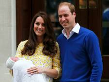 Kate et William présentent leur petite princesse