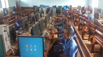 Afgeschreven computers krijgen tweede leven in Kameroen
