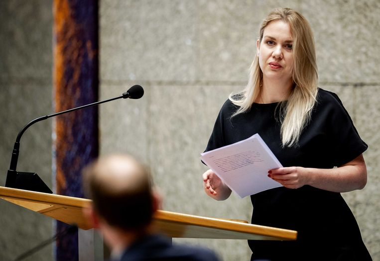 Femke Merel van Kooten-Arissen tijdens het debat in de Tweede Kamer over het optreden van de Belastingdienst in de affaire rond kinderopvangtoeslagen. Beeld ANP
