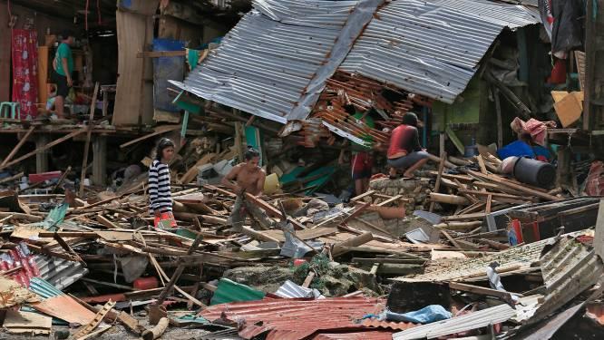 Twee doden en honderden daklozen na stortregens op Filipijnen