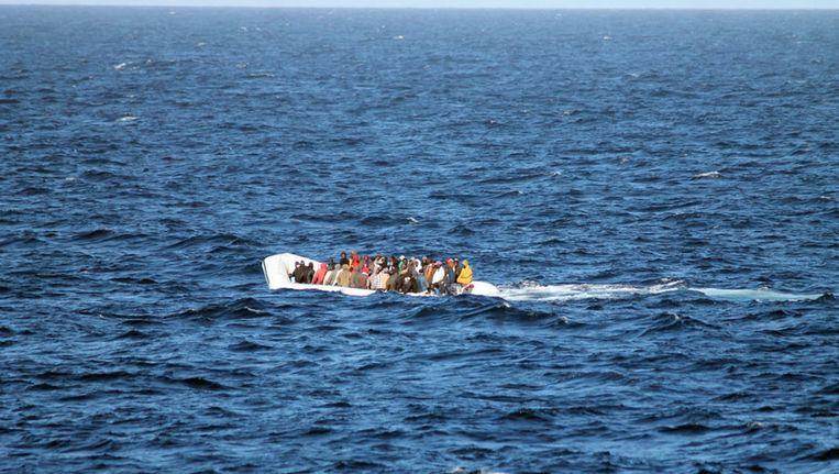 Italiaanse reddingsboot met migranten. Beeld AFP